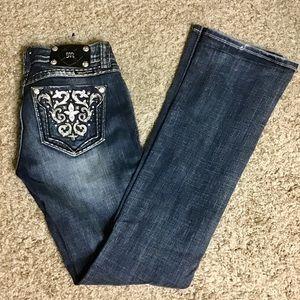 Miss Me Jeans - Studded / Bling back Pockets